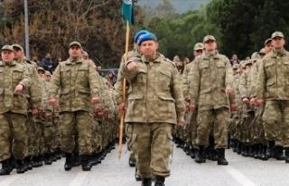 Milli Savunma Bakanı Akar, 'yeni askerlik sisteminin'...