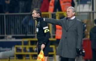 Mustafa Denizli: Lig beşinciliği bizim için son...