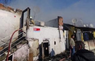Pendik'te gecekonduda yangın