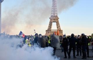 Sarı yeleklilerin gösterilerinde polis şiddetinin...