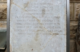 Şeker tezgahı mermer, 138 yıllık mezar taşı...