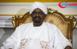 Sudan Cumhurbaşkanı Beşir partisindeki yetkilerini...