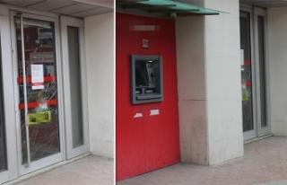 Taşla banka şubesinin cam kapısını kırıp kaçtı