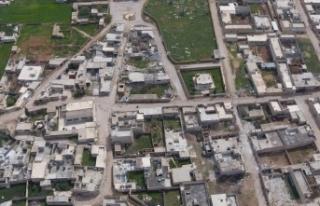 Tel Rıfat'taki YPG/PKK'lı teröristler,...