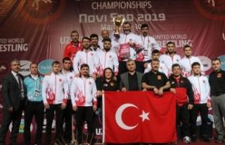 Türkiye Güreş Federasyonu Başkanı Aydın: Sırbistan'da...
