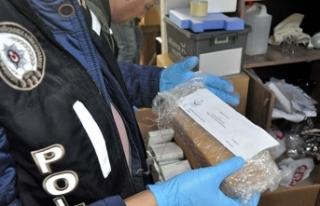 120 milyon TL'lik ilaç vurgunu çetesine operasyon:...