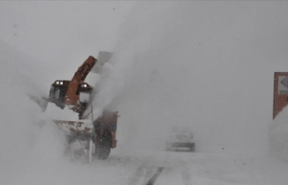 Baharda 8 metre karla mücadele