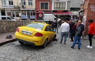 Beyoğlu'nda yol çöktü