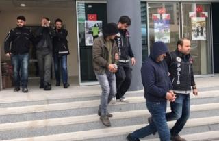 Bursa'da uyuşturucu çetesine şafak operasyonu:...
