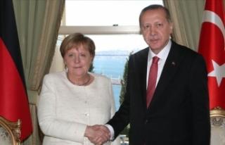 Cumhurbaşkanı Erdoğan'dan Almanya Başbakanı...