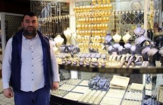 Eski patronunun borcu için 781 bin liralık altını...