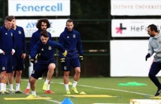 Fenerbahçe derbiye pres çalışması ile hazırlandı