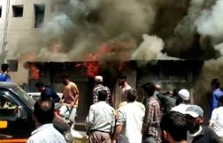 Keşmir'de hastanede yangın çıktı