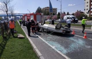 Malatya'da otomobil devrildi, sürücü yaralandı