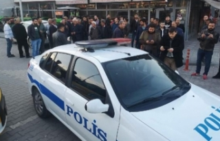 Malatya'da polis aracına tabancalı saldırı:...