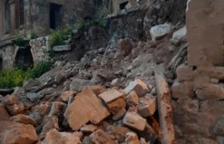 Mardin'de evlerin duvarı yıkıldı, dağdan...