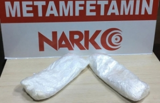 Otomobilde 451 gram metamfetaminle yakalanan şüpheli...