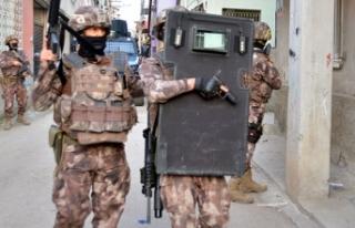 PKK operasyonuna Adana'da 5 gözaltı