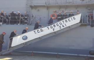 Sürmenelilerden deniz kuvvetlerine sevgi seli