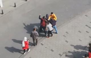 """Taksim Meydanı'nda """"Fotoğrafımı paylaştın""""..."""