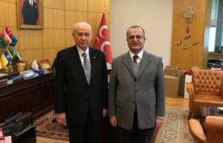 Yazarımız Ali Güler'e MHP Lideri Bahçeli'den...