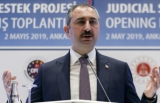 Adalet Bakanı Gül: Reform irademiz artarak devam...