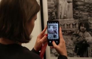 'Ara Güler Sergisi' Paris'te sanatseverlerle...