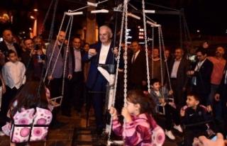 Binali Yıldırım Kasımpaşa'da vatandaşlarla...