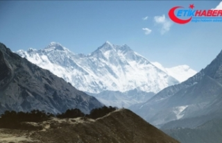 Everest'te tırmanış sezonunda 11 kişi öldü