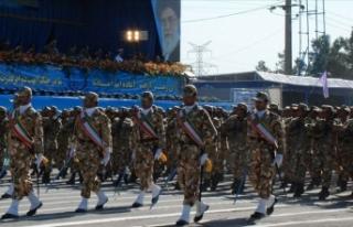 İran ordusundan hükümetin nükleer kararına tam...