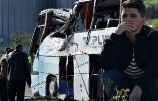 Konya'da servis otobüsü ile TIR çarpıştı:...