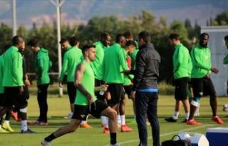 Kupa şampiyonu Akhisarspor Süper Lig'e veda...