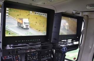 Kural ihlali yapan sürücüler helikopterle denetlendi
