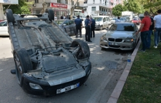 Lüks otomobili teste çıkaran tamirci kaza yapıp...