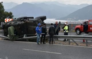 Marmaris'te zırhlı araç kaza yaptı, 3 özel...