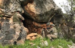 PKK operasyonunda patlayıcı, silah ve uyuşturucu...