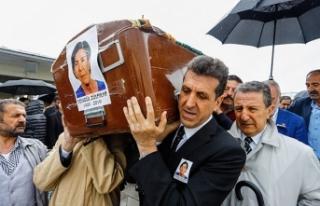 Saunada ölen iş kadını son yolculuğuna uğurlandı