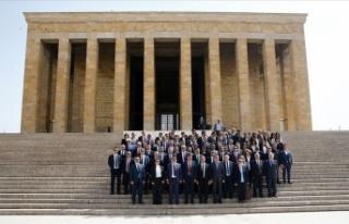 Vakıflar Genel Müdürlüğü heyetinden Anıtkabir'e...