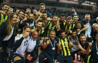 Voleybol Efeler Ligi'nde Fenerbahçe şampiyonu...