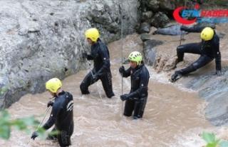 Araklı'da kayıp 2 kişiyi arama çalışmaları...