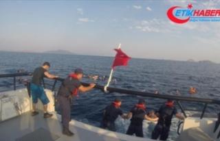 Bodrum'da düzensiz göçmenleri taşıyan tekne...