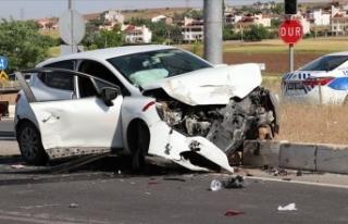 Bolu'da iki otomobil çarpıştı: 1 ölü, 5...