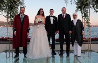 Cumhurbaşkanı Erdoğan Mesut Özil'in nikah...