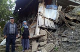 Damat tehlikeyi fark etti, evi çöken çift ölümden...