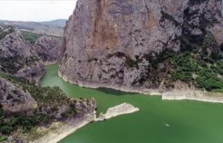 Doğa harikası Kaplancık Kanyonu ziyaretçilerini...