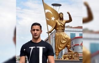 Dünya şampiyonu boksör İlhami Aydemir'e memleket...