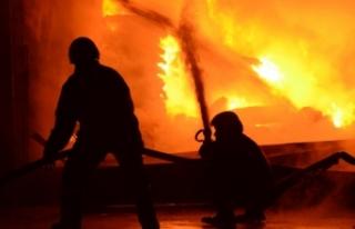 Endonezya'da kibrit fabrikasında yangın: En...