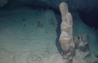 Hatay'da keşfedilen mağaraya, 'Bilge Taş'...