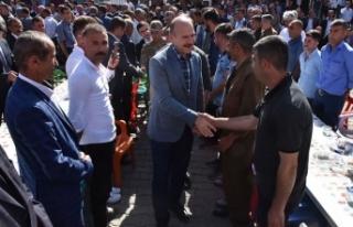 İçişleri Bakanı Soylu Beytüşşebap'ta vatandaşlarla...