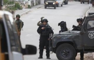 İsrail polisi Kudüs'te 19 Filistinliyi gözaltına...